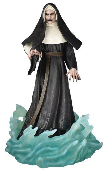Gallery Diorama: Conjuring Universe – Nun Statue, 23cm