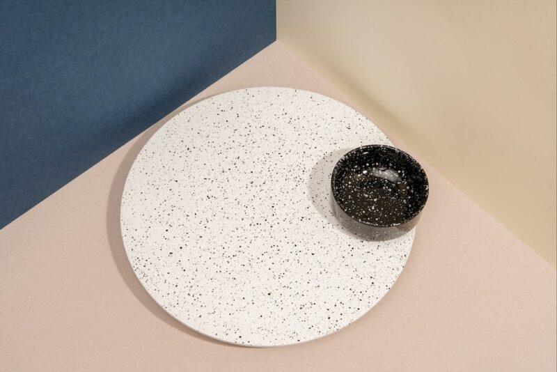 Eclipse – Rotating Tray w. Bowl (White/Black)