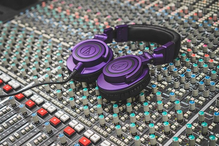 Audio Technica Wired Over-Ear Headphones ATH-M50xPB  Over-ear, 3.5mm TRS Plug and 1/4″ Screw-On Adapter, Purple/Black